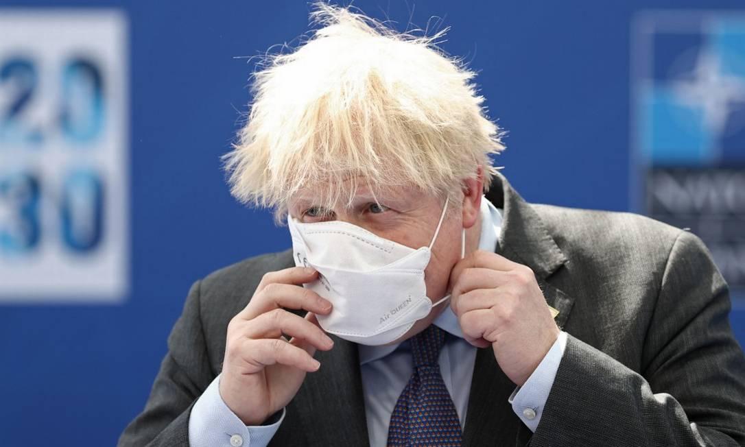 Primeiro-ministro do Reino Unido, Boris Johnson, ao chegar para a cúpula da Otan, em Bruxelas, na Bélgica Foto: POOL / REUTERS