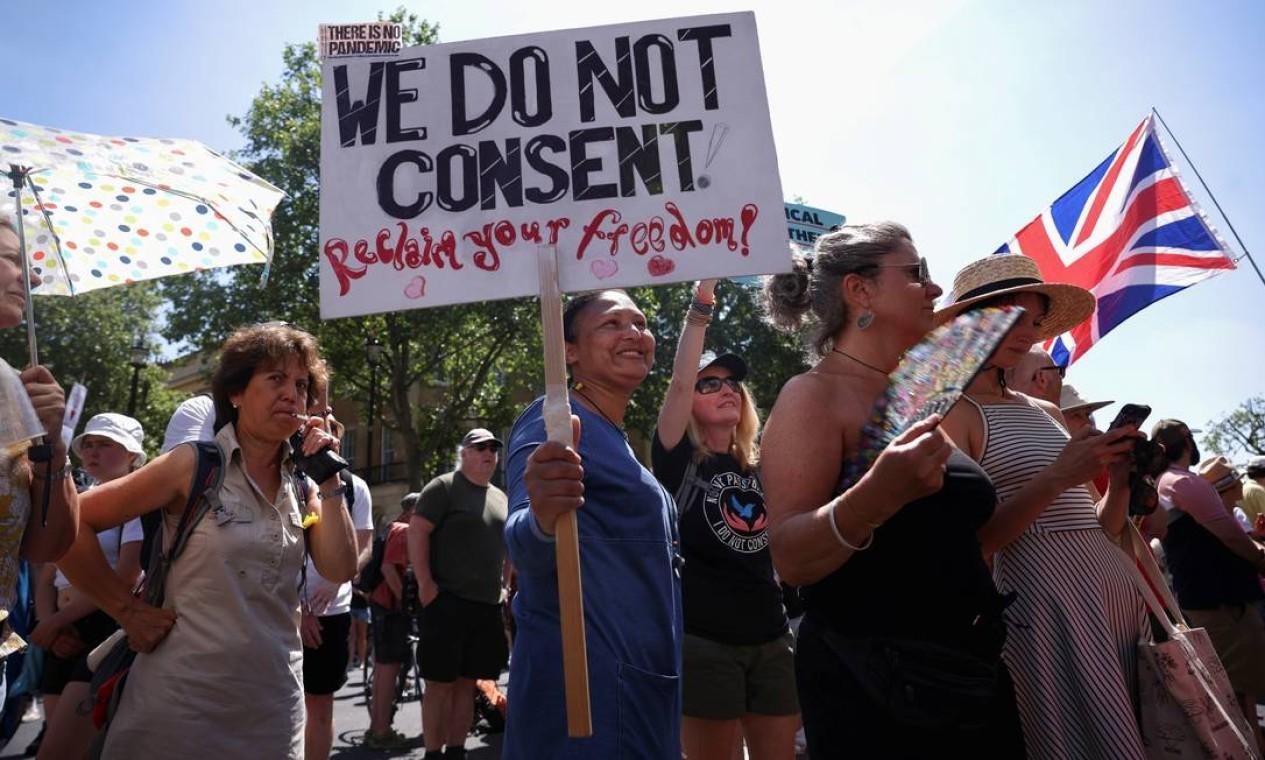 """Data para o fim das restrições anticovid, que vem sendo chamada de """"dia da liberdade"""", foi adiada por quatro semanas, para 19 de julho Foto: HENRY NICHOLLS / REUTERS"""