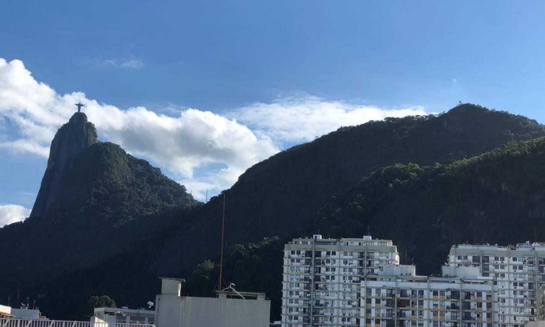 Nesta segunda-feira, há redução da nebulosidade na cidade do Rio Foto: Claudia Meneses / Agência O Globo