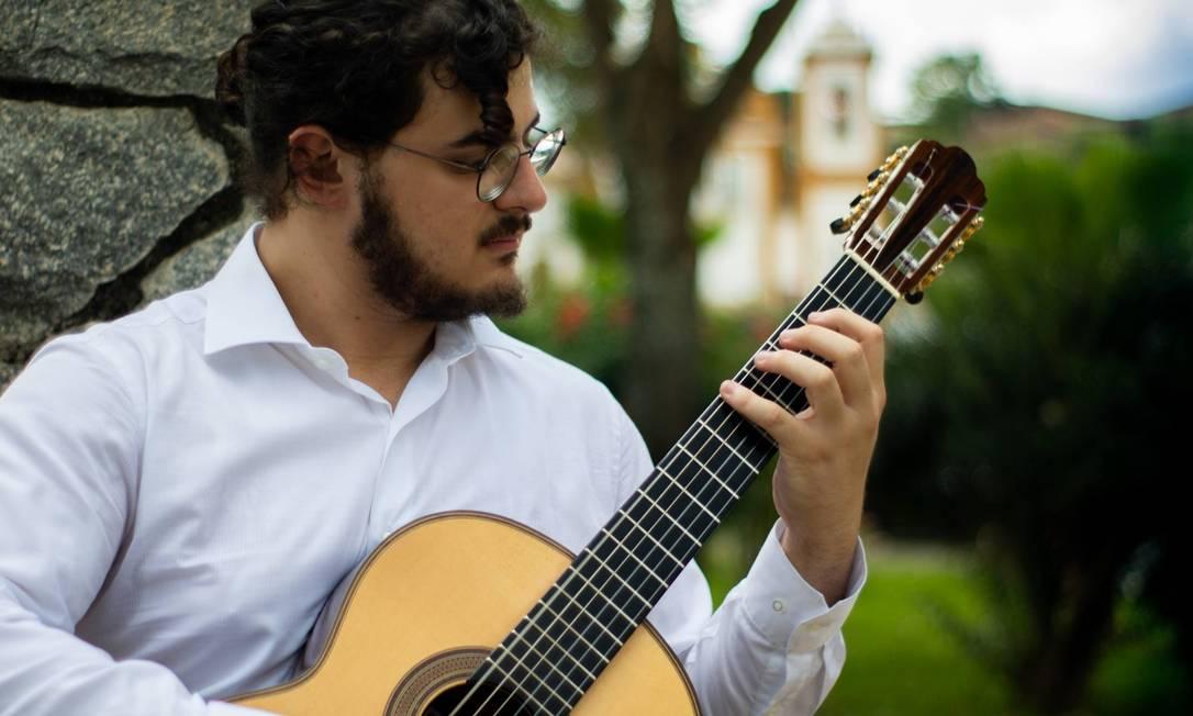 O violonista clássico Octavio Deluchi foi aprovado em três doutorados nos EUA Foto: Jéfrey Andrade/Divulgação