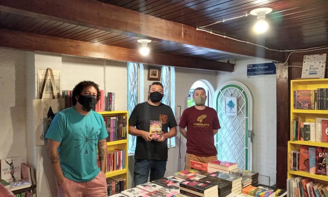 A Livraria Casa da Árvore, na Tijuca, foi criada por três amigos que viraram sócios Foto: Divulgação/Livraria Casa da Árvore