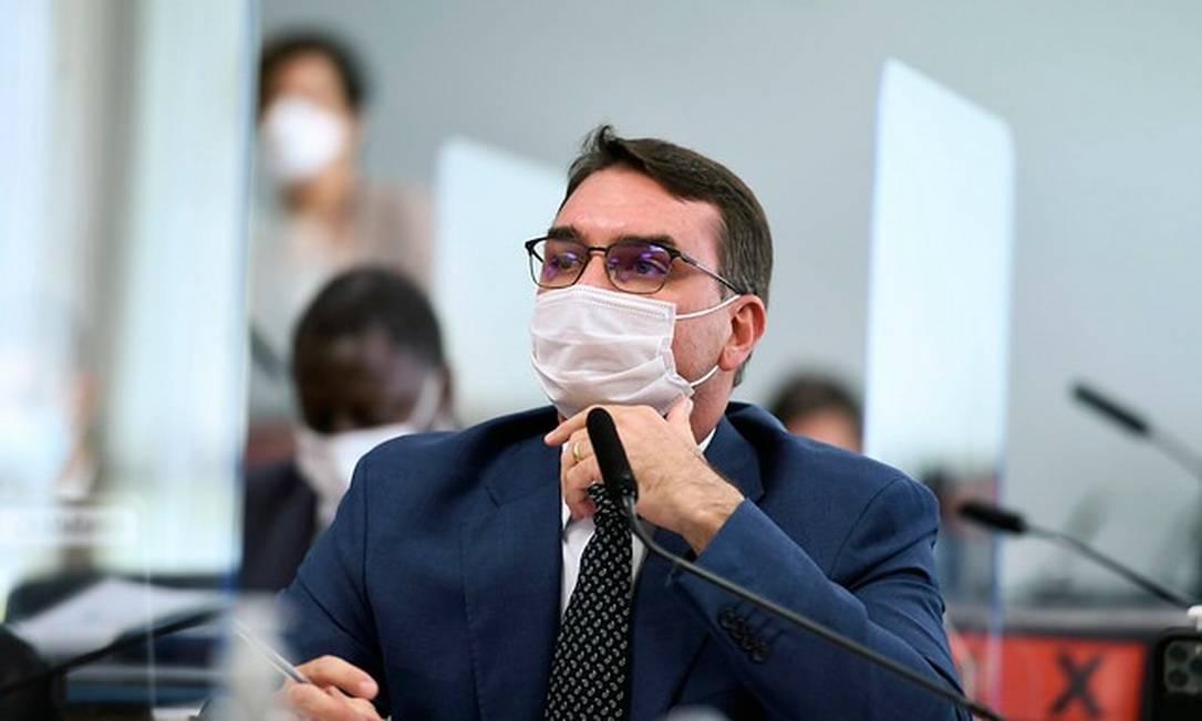 Senador Flávio Bolsonaro comparece a sessão da CPI da Covid Foto: Edilson Rodrigues/Agência Senado