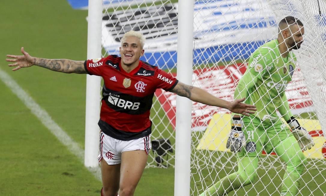 Pedro foi convocado por Andre Jardine mesmo com recusa do Flamengo Foto: Marcelo Theobald