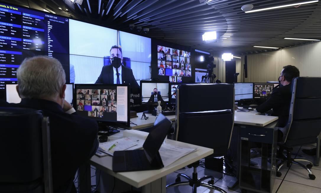 O senado discute a privatização da Eletrobras Foto: Edilson Rodrigues / Agência Senado