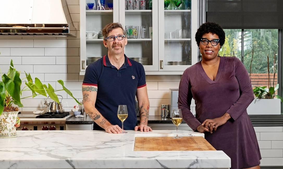Johno Morisano e Mashama Bailey, que servirão o banquete sulista no hotel Thompson Austin, em Austin, no Texas Foto: Adam Kuehl / via The New York Times