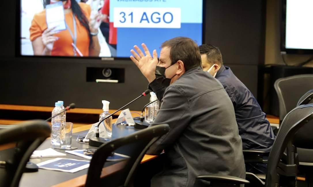 O prefeito do Rio, Eduardo Paes, durante apresentação de boletim sobre a Covid-19 no Rio Foto: Beth Santos / Divulgação / Prefeitura do Rio