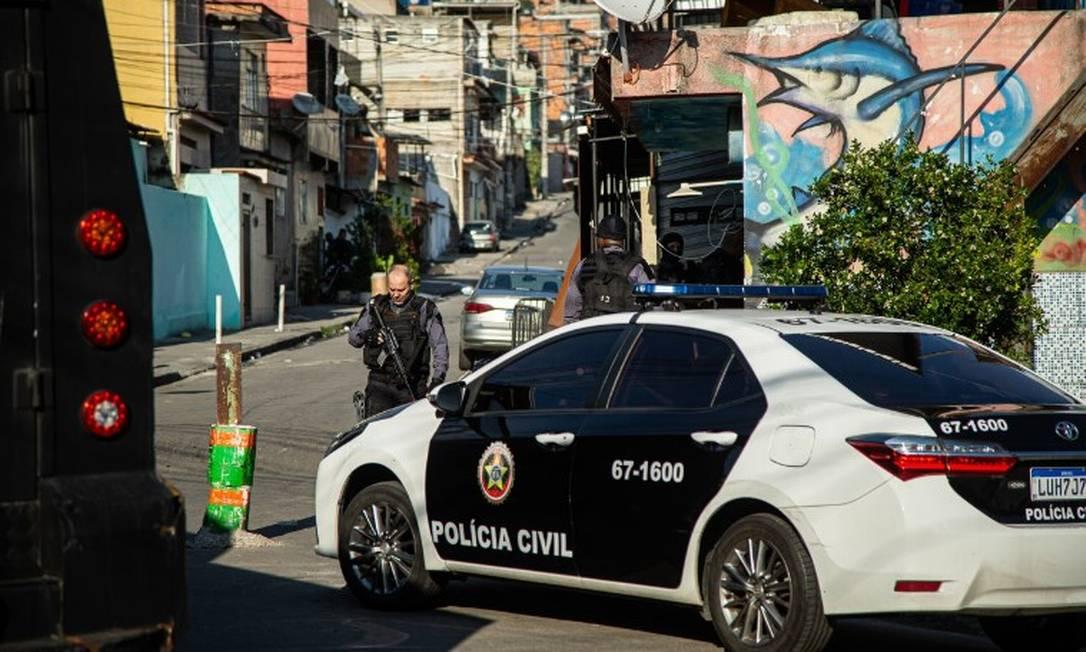 Operação policial no Complexo da Penha Foto: Hermes de Paula / Agência O Globo
