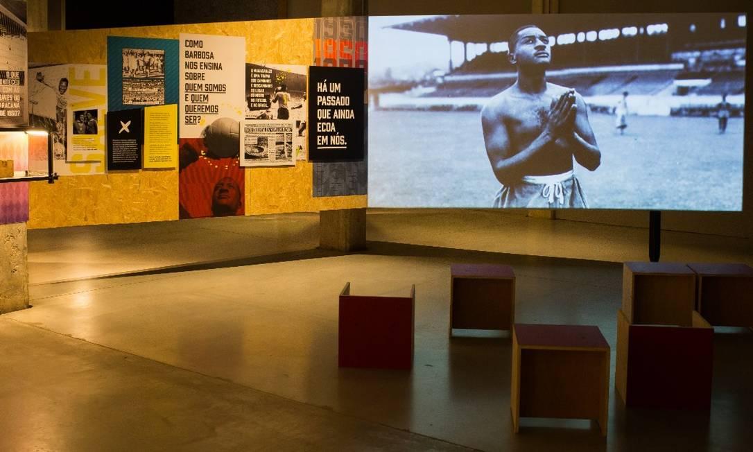 Exposição celebra 100 anos do ex-goleiro da seleção Barbosa e debate racismo Foto: Edilson Dantas / Agência O Globo