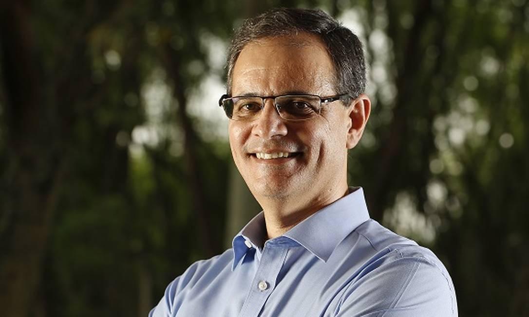 Feliciano Almeida, presidente da Michelin na América do Sul, vê mais produção local, com barreiras protecionistas, e consumidor evitando transporte público Foto: MARCOS_PINTO / Divulgação