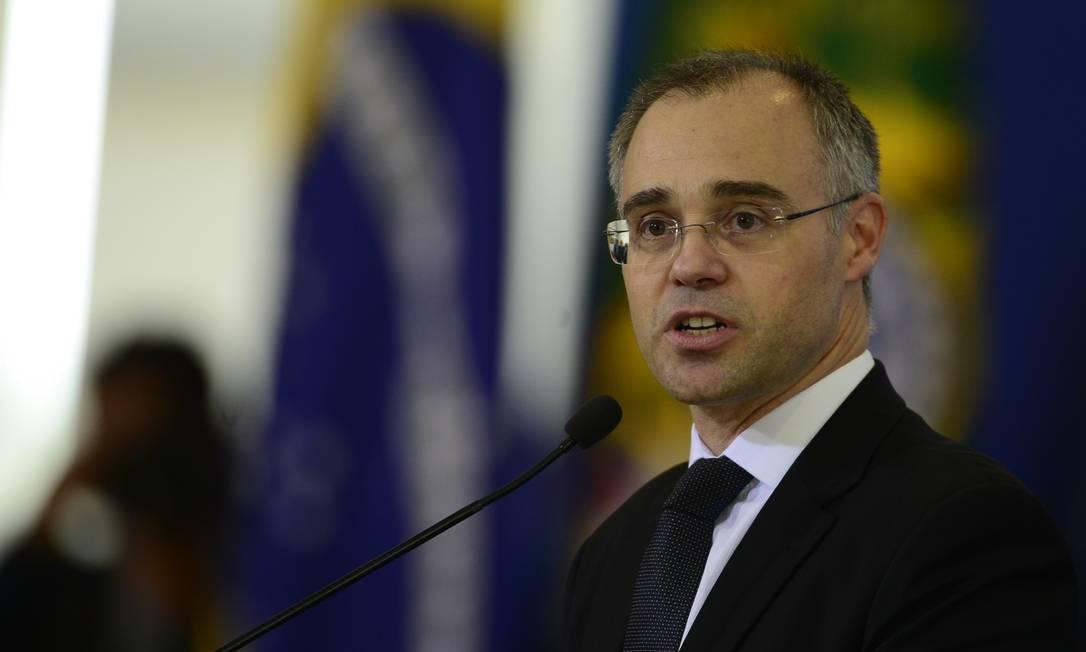 Sem traquejo político, Mendonça não conta com o apoio nem de aliados do governo, como o ex-presidente do Senado Davi Alcolumbre (DEM-AP) Foto: MArcello Casal Jr/Agência Brasil
