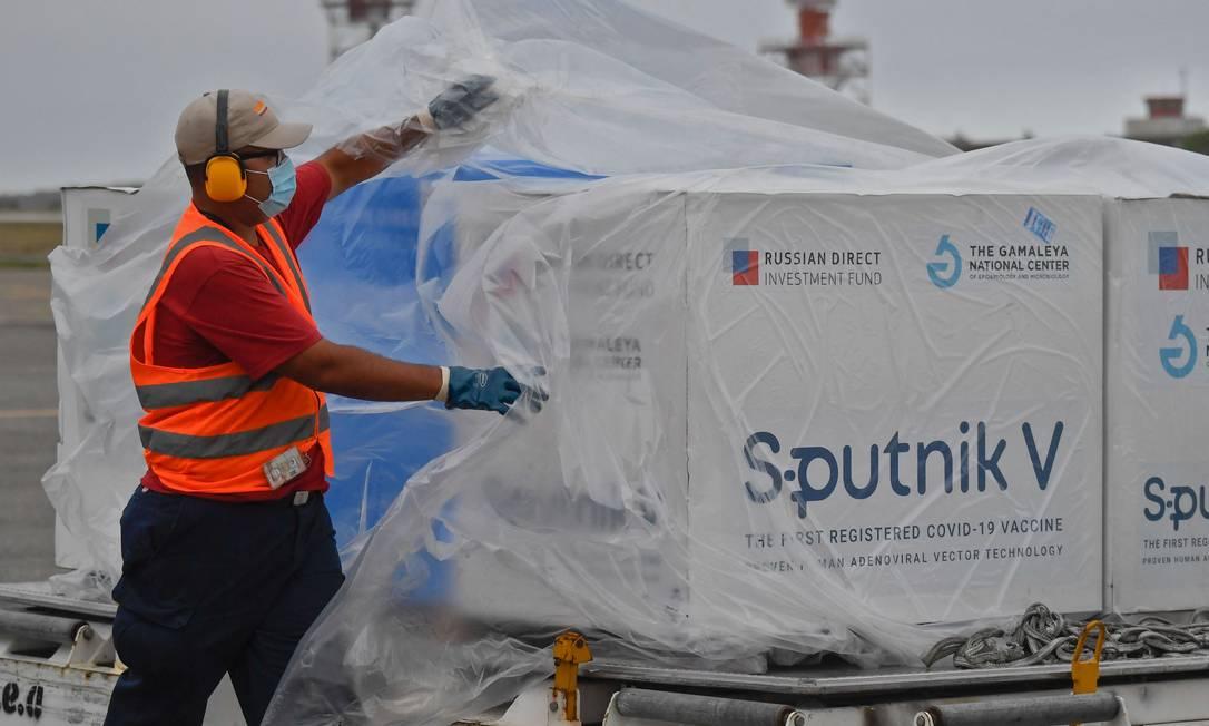 Sputnik V: envio ao Brasil volta à etapa das negociações Foto: FEDERICO PARRA / AFP