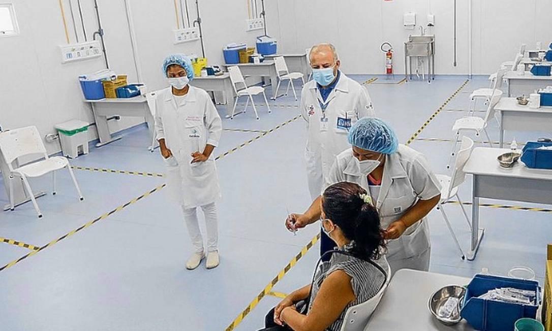 A dose da Covaxin negociada pelo governo é a mais cara entre todas as que foram contratadas pelo Ministério da Saúde Foto: Agência O Globo