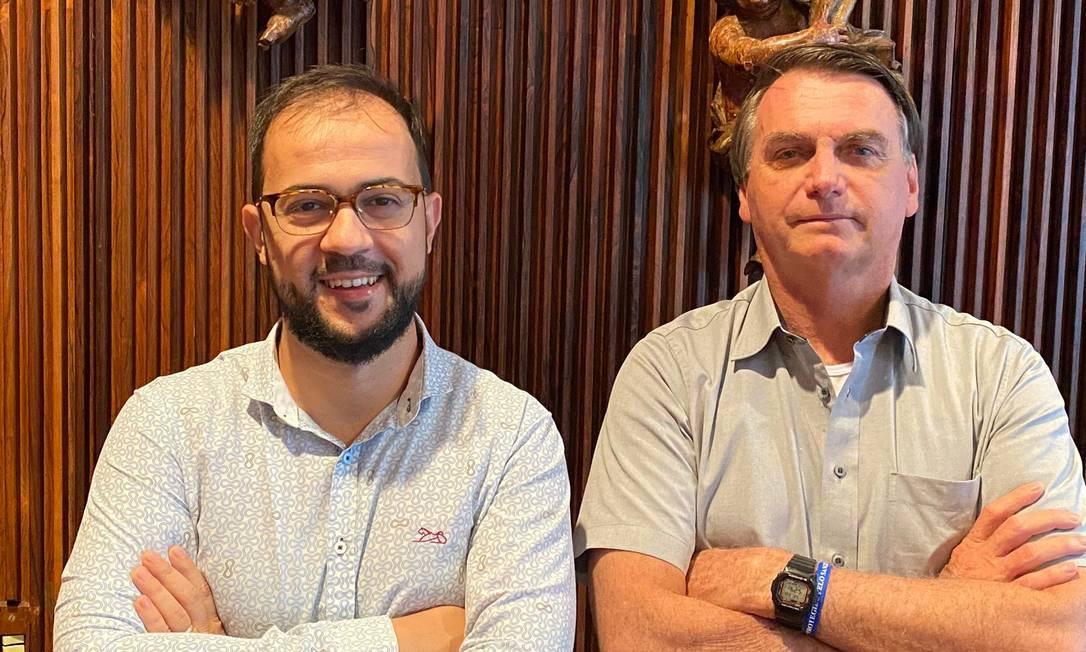 O servidor Luis Ricardo Miranda em encontro com Jair Bolsonaro, em 20 de março de 2021 Foto: Acervo pessoal
