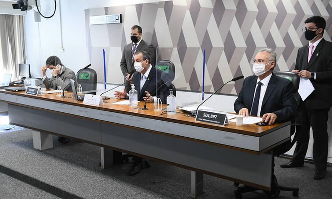 Senadores em sessão na CPI da Covid Foto: Marcos Oliveira / Marcos Oliveira/Agência Senado