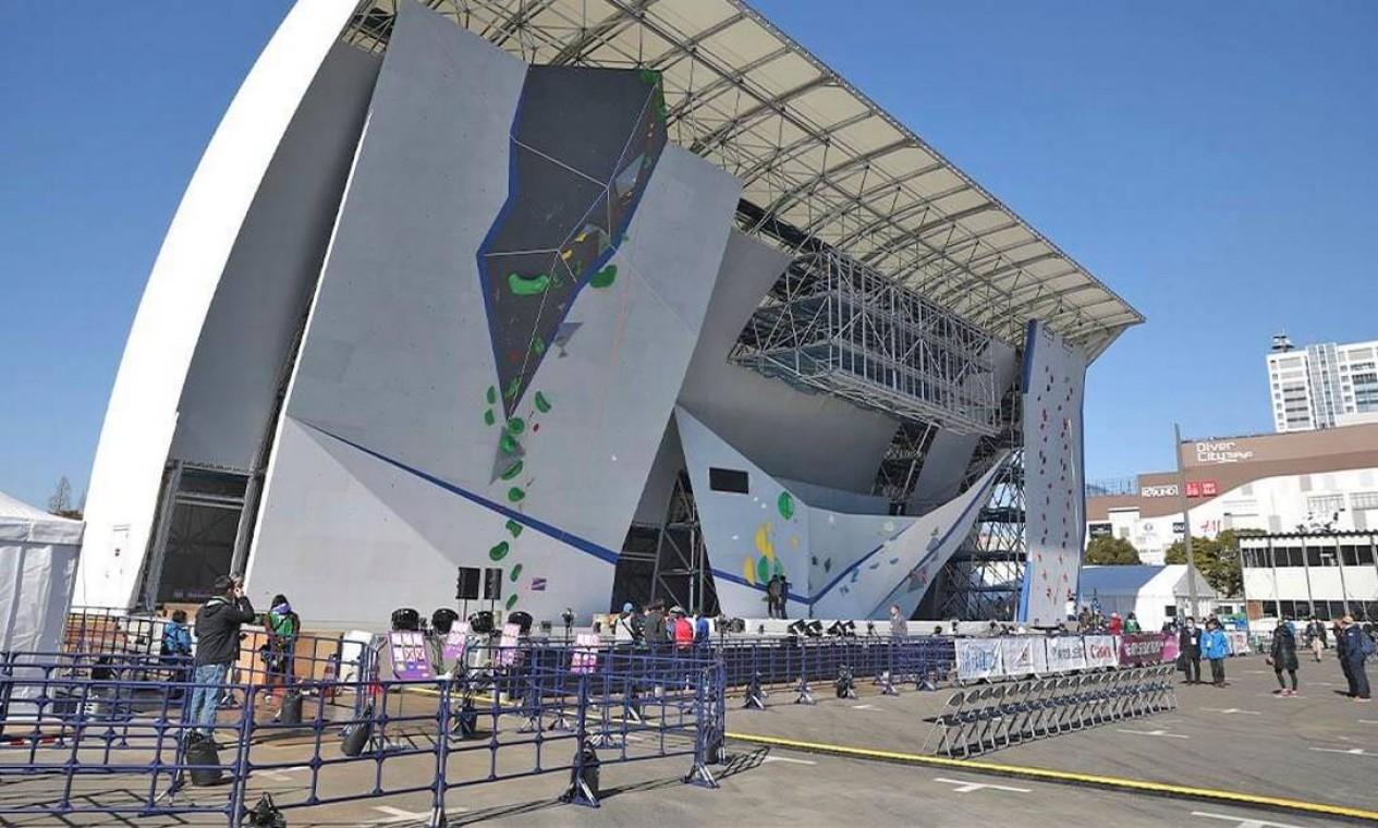 O Aomi Urban Sports Park conta com estrutura temporária erguida perto da Vila dos Atletas. Vai receber o basquete 3x3 e a escalada esportiva. As capacidades são de 7.100 e 8.400 pessoas, respectivamente Foto: Divulgação