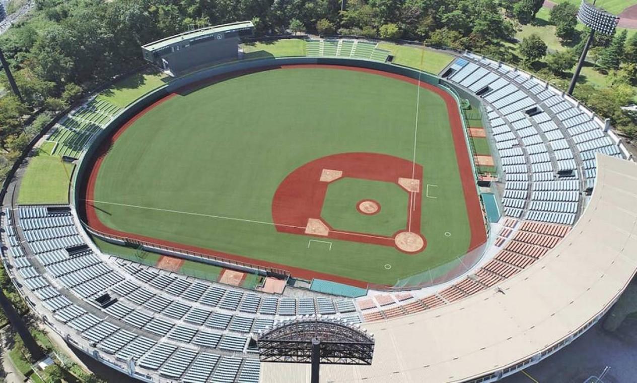 Localizado na cidade de Fukushima, o estádio de beisebol de Azuma faz parte do Parque Esportivo Azuma, que é dividido em quatro espaços recreativos. Vai sediar o beisebol e o softbol, que foram incluídos nos Jogos de Tóquio 2020. Pode receber 14.300 espectadores Foto: Divulgação
