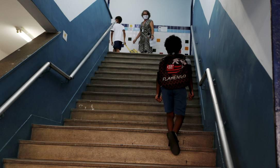 Alunos da Escola Municipal Suiça, na cidade do Rio de Janeiro Foto: Fabiano Rocha / Agência O Globo /24-02-2021