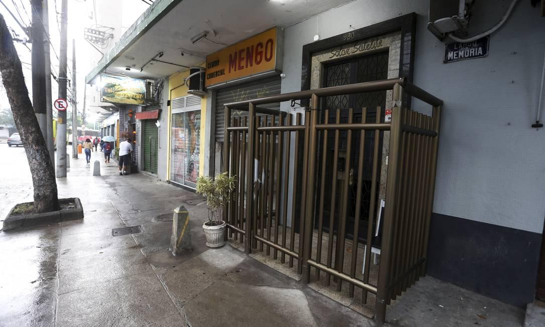 Fachada de prédio na Rua Bartolomeu Mitre , 980 , no Leblon , onde foi encontrado um casal morto no banheiro. Foto: FABIANO ROCHA / Agência O Globo