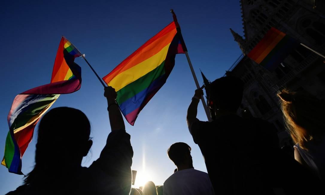 Torcidas LGBTQIAP+ buscam ser incluídas sem preconceito no futebol Foto: MARTON MONUS / Marton Monus/Reuters