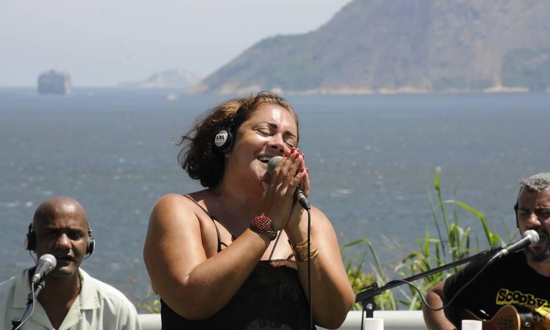 Antes da liberação. Músicos gravam live de samba no MAC Foto: Divulgação/Marcelo Almo
