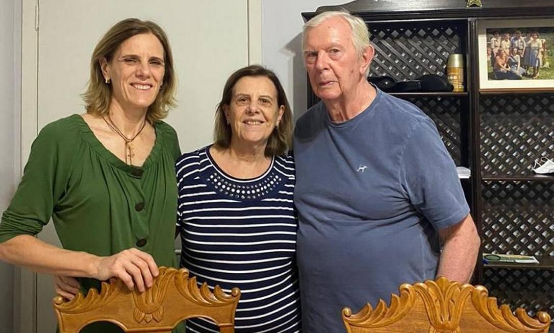 Daniela Knauth (à esq.) com os pais Maristela (centro) e Nereu (à dir.) Foto: Arquivo pessoal