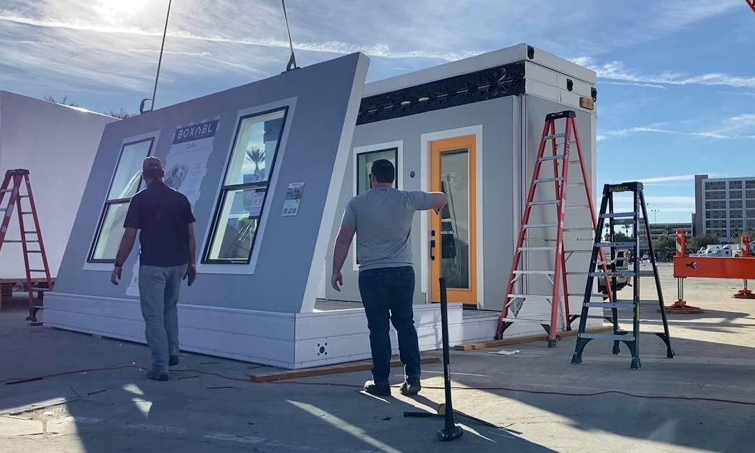 De acordo com informações do site Teslarati, casa pré-moldada de Musk é tão leve que pode ser rebocada por um Tesla Model X Foto: Reprodução/Boxabl
