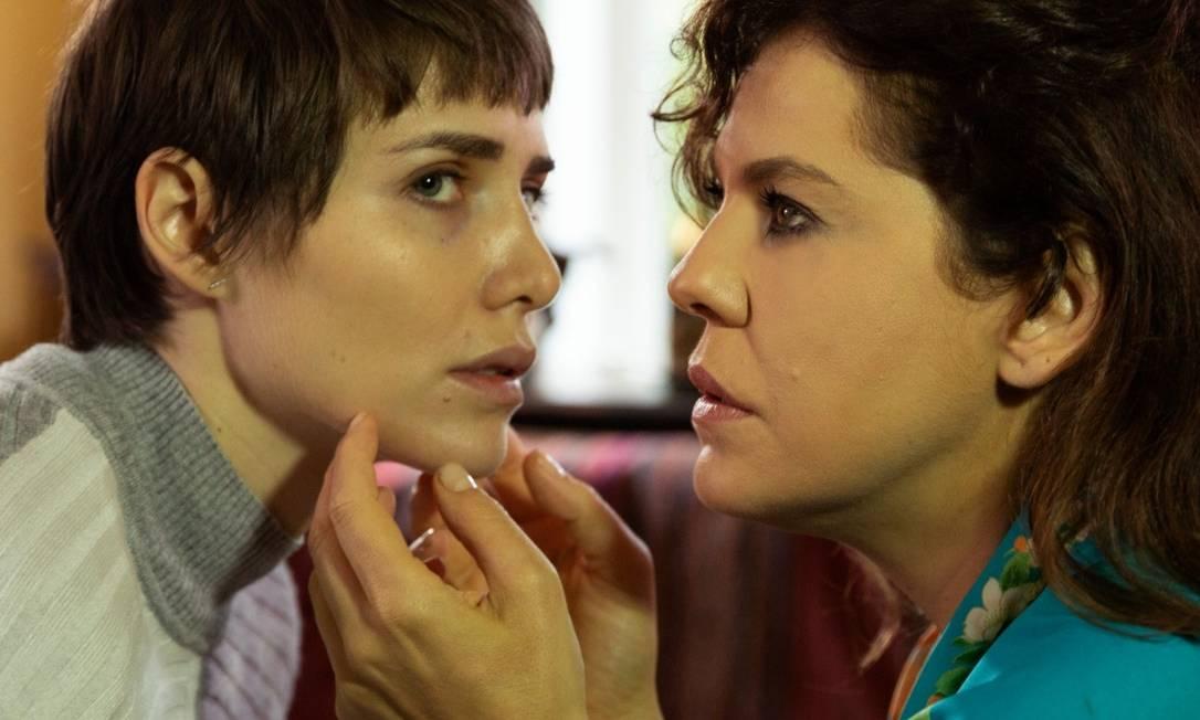 Letícia Colin e Bárbara Paz: climão no longa 'A porta ao lado' Foto: Desiree do Valle