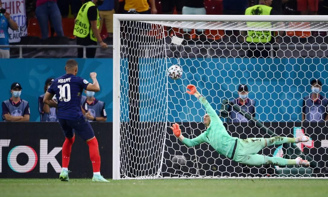 Foto: FRANCK FIFE / Pool via REUTERS