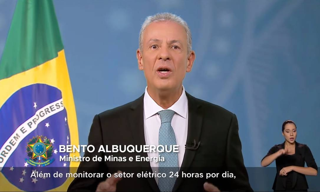 O ministro de Minas e Energia, Bento Albuquerque, em pronunciamento na TV Foto: Reprodução