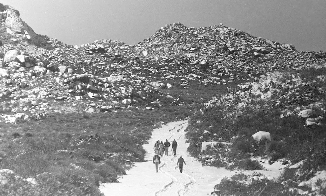 No Pico das Agulhas Negras, 400 metros mais alto, o frio chegou a 10 graus negativos Foto: Moacir Gomes / Agência O Globo