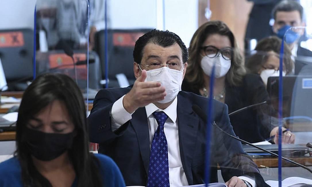 O senador Eduardo Braga em sessão da CPI da Covid Foto: Edilson Rodrigues / Edilson Rodrigues/Agência Senad