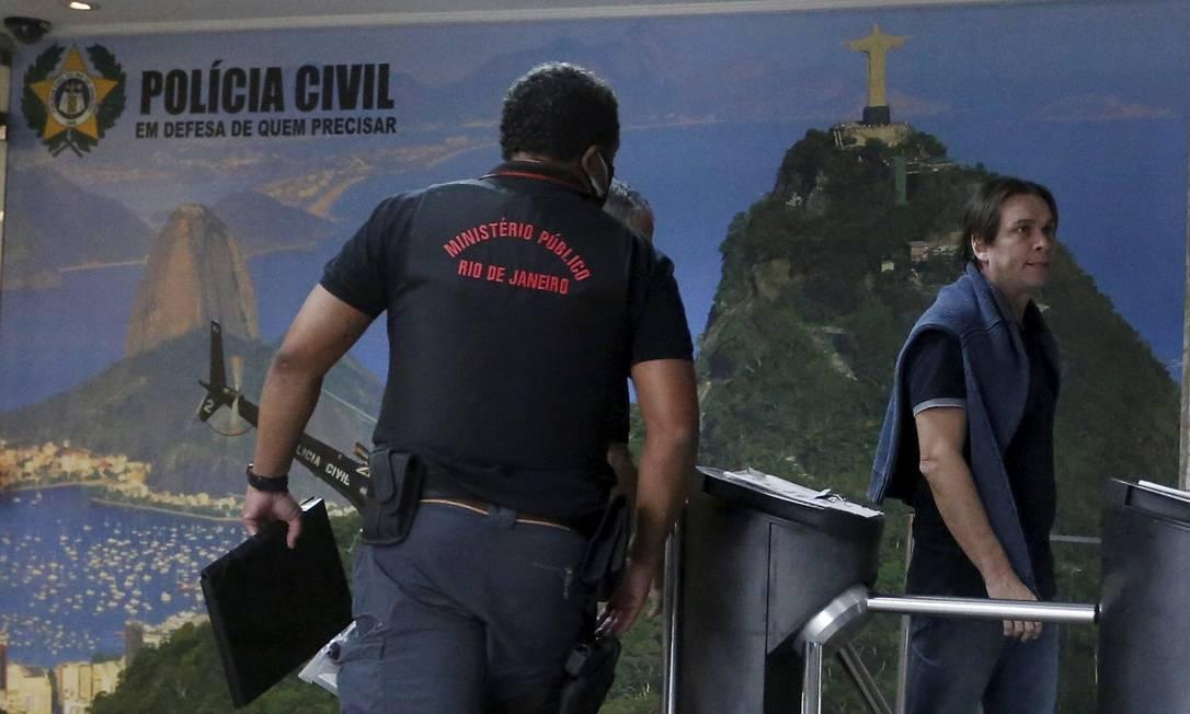 Delegado Maurício Demétrio chega à sede da Polícia Civil Foto: Fabiano rocha / Agência O Globo
