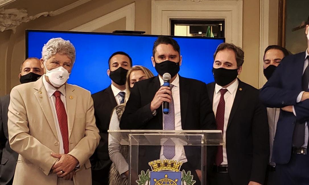 Vereadores falaram com a imprensa após a sessão e comentaram sobre a cassação de Jairinho: 'Compromisso com ética' Foto: Arthur Leal