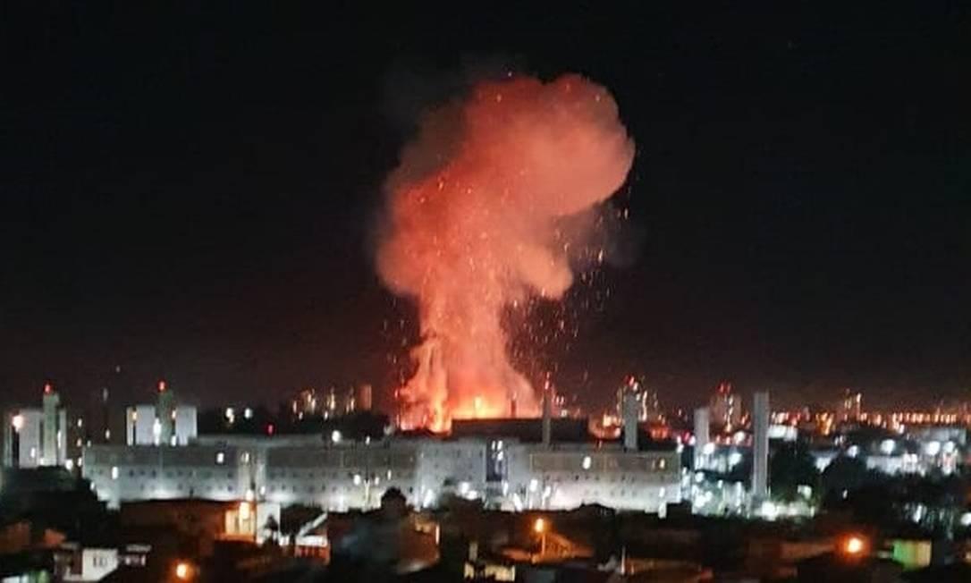 Explosão em posto de combustíveis em Rio Claro (SP) Foto: Reprodução/Twitter