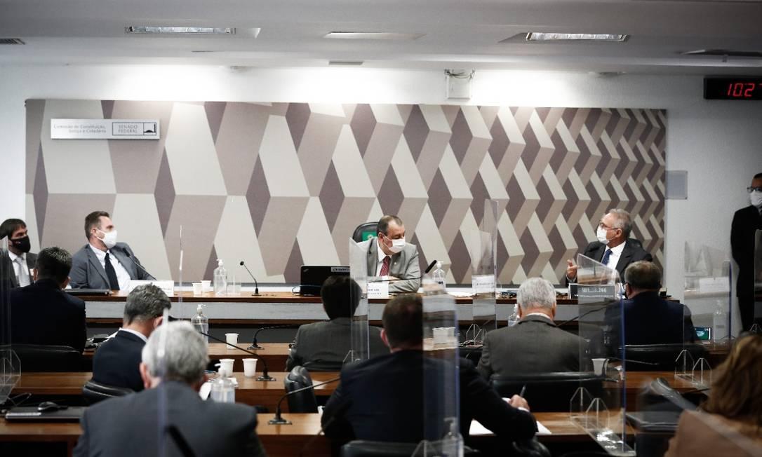 Luiz Paulo Dominguetti, que acusou governo de propina em compra de vacinas, depõe à CPI da Covid. Foto: Pablo Jacob / Agência O Globo