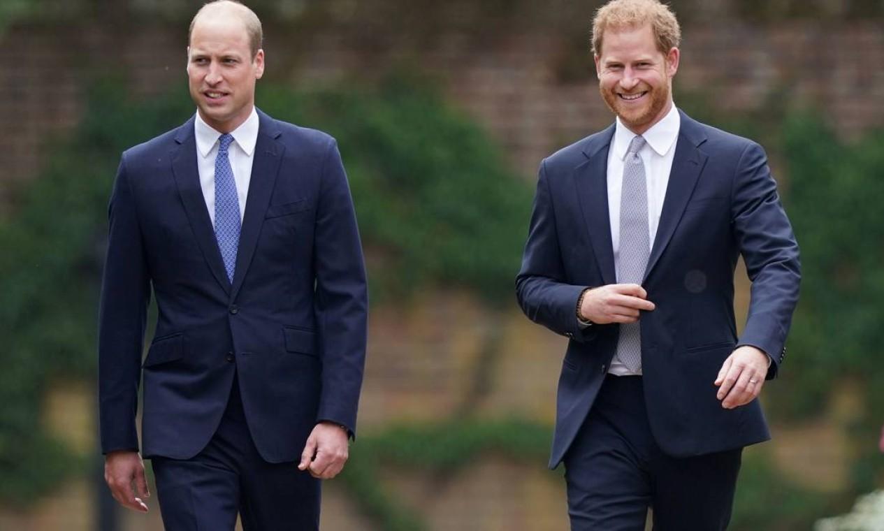 Além da homenagem à falecida princesa, o que estava em jogo era se a reunião dos dois irmãos poderia aliviar a crise causada pelo abandono de Harry de suas funções oficiais como membro da família real Foto: POOL / REUTERS