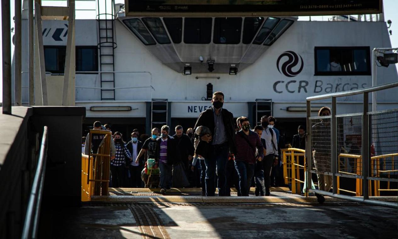 A CCR deseja, há anos, um acordo para deixar a concessão das barcas Foto: Hermes de Paula / Agência O Globo