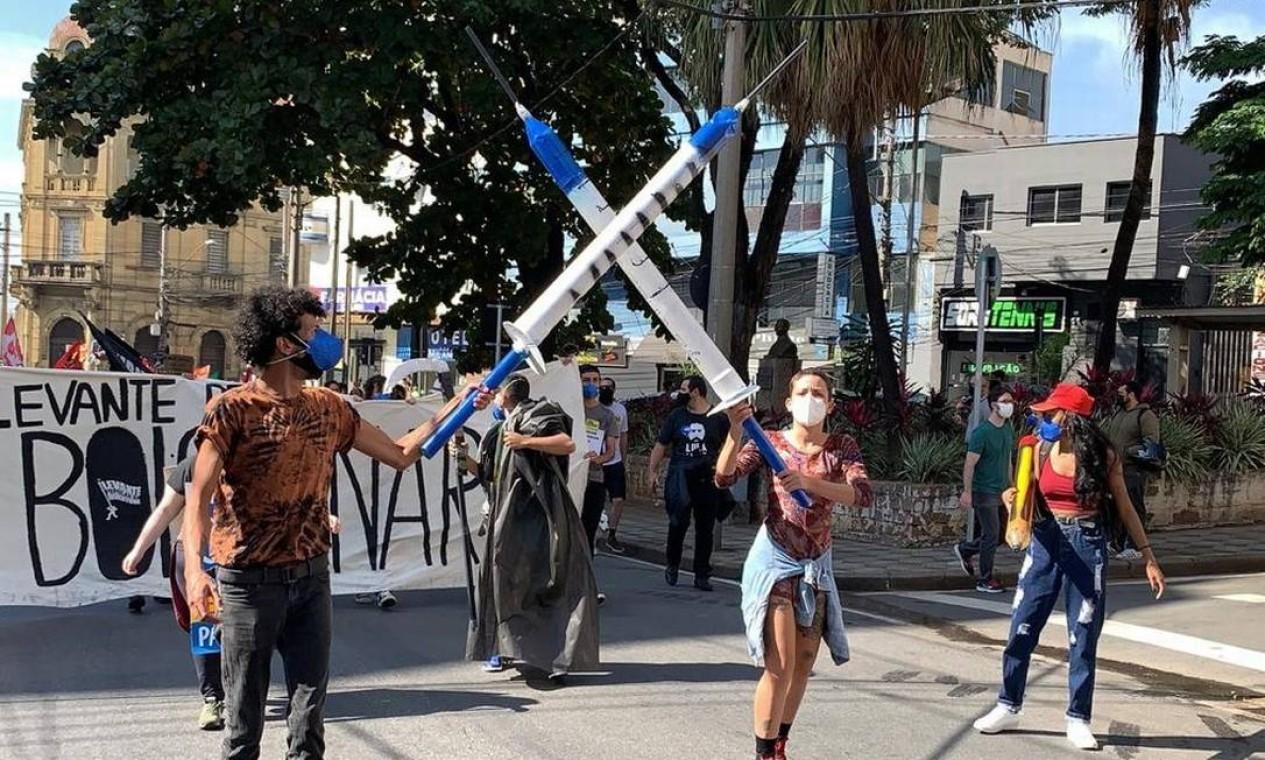 Em Sorocaba, São Paulo, manifestantes pediram por vacinas contra a Covid-19 Foto: Witter Veloso / TV TEM