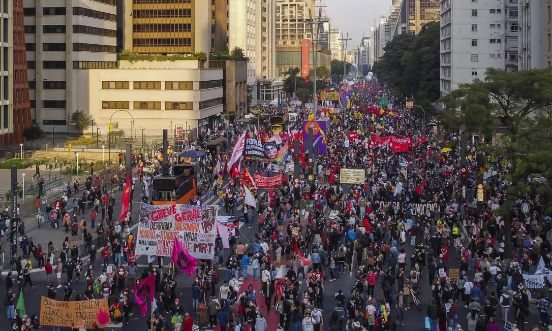 Manifestação contra o Presidente Jair Bolsonaro em São Paulo neste sábado (3) Foto: Edilson Dantas / Agência O Globo