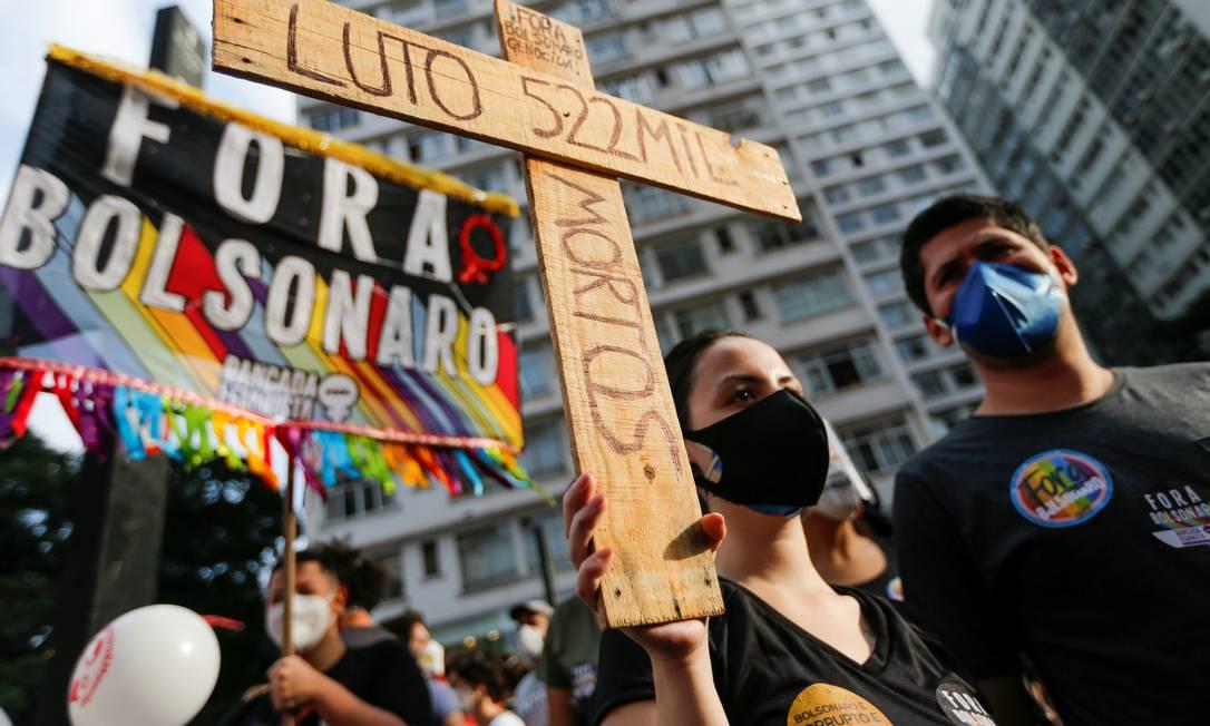 Em São Paulo, atos ganharam a adesão de grupos de centro e direita, com representantes do PSDB, PSL e do movimento liberal Livres Foto: MARIANA GREIF / REUTERS