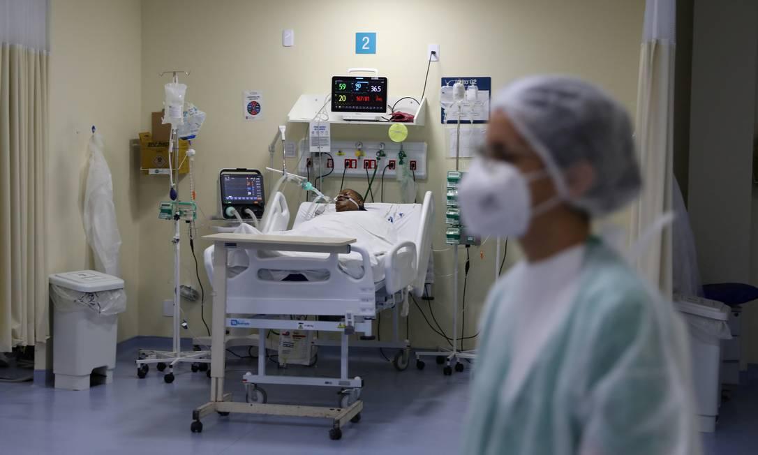 Paciente com Covid-19 na UTI do Hospital Ronaldo Gazolla, no Rio Foto: PILAR OLIVARES/REUTERS/18-6-2021