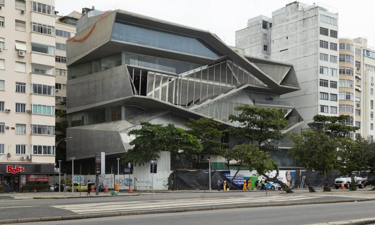 Governo do estado anuncia retomada das obras do Museu da Imagem e do Som (MIS), na praia de Copacabana Foto: Leo Martins / Agência O Globo