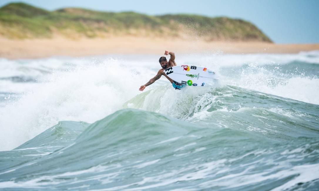 Ítalo Ferreira treina em Baía Formosa, no Rio Grande do Norte Foto: Marcelo Maragni / Red Bull Content Pool