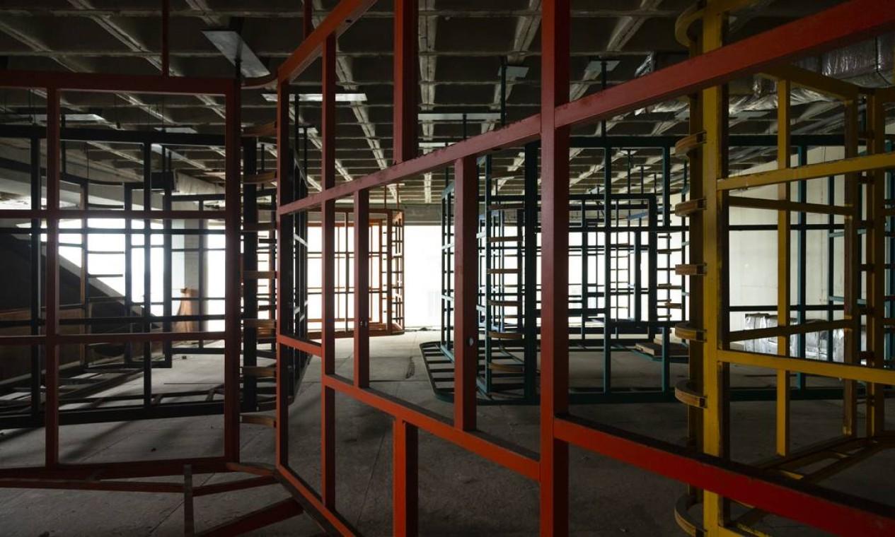 Cerca de 70% das obras físicas estão concluídas. Até hoje já foram investidos, de acordo com o governo estadua Foto: Leo Martins / Agência O Globo