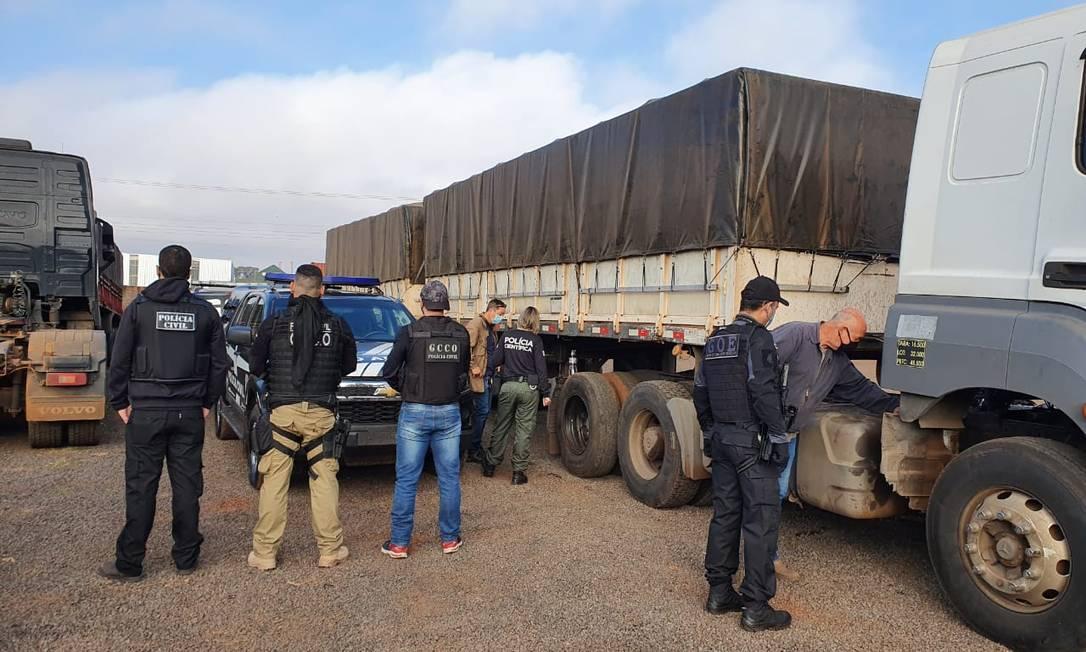 Polícia apreende carretas usadas por 'piratas da soja' em roubos de grãos Foto: Divulgação