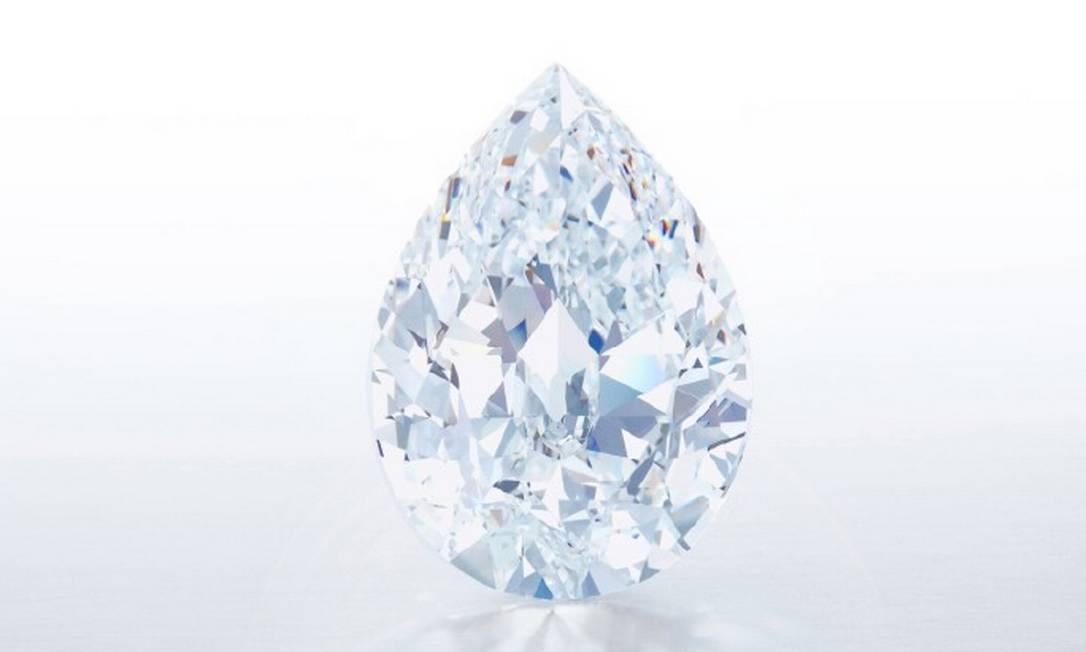 Raro diamante em formato de pera que vai a leilão na Sotheby's Foto: Site da Sotheby's