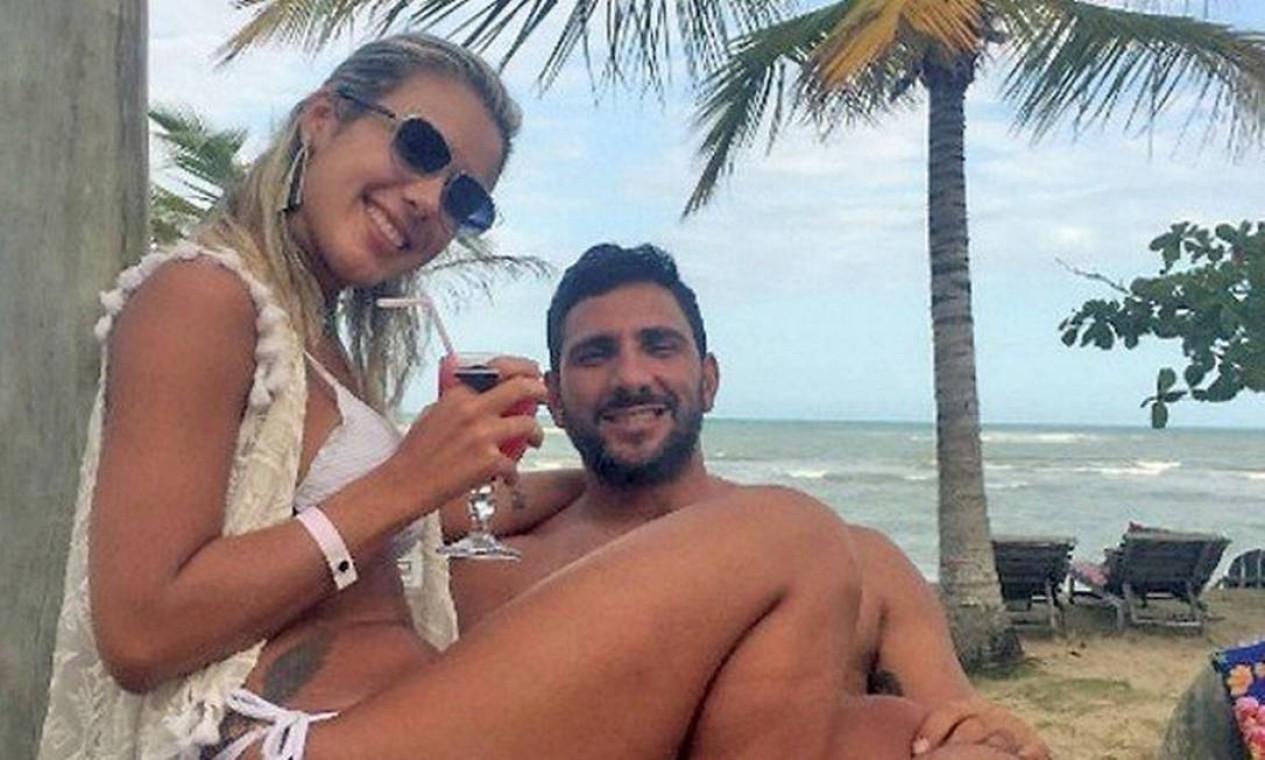 Julia Lotufo com Adriano da Nóbrega na Bahia Foto: Reprodução