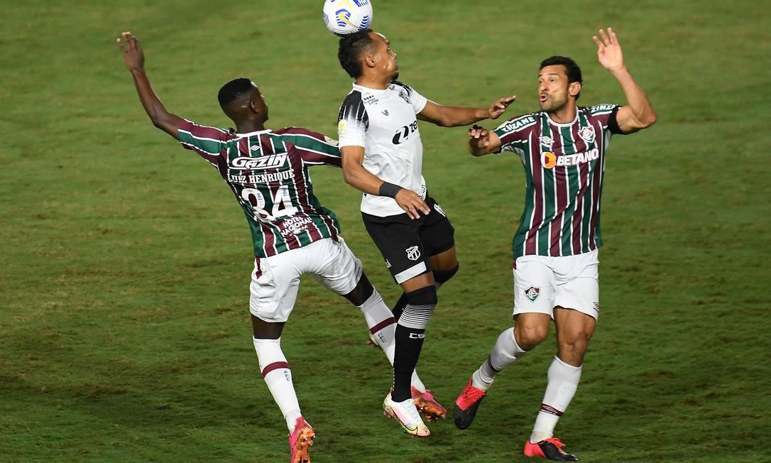 Fluminense perdeu Fred cedo na partida contra o Ceará Foto: Alexandre Durão/Zimel Press / Agência O Globo
