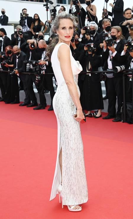 O segundo look de Andie Macdowell em Cannes Foto: Daniele Venturelli / WireImage