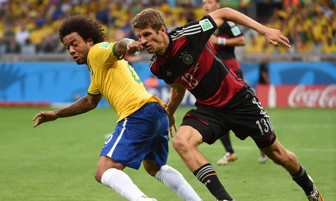 O lateral Marcelo tem atualmente de 33 anos, e continuou jogando com frequência pela seleção mesmo após o vexame de 2015 Foto: PEDRO UGARTE / Agência O Globo